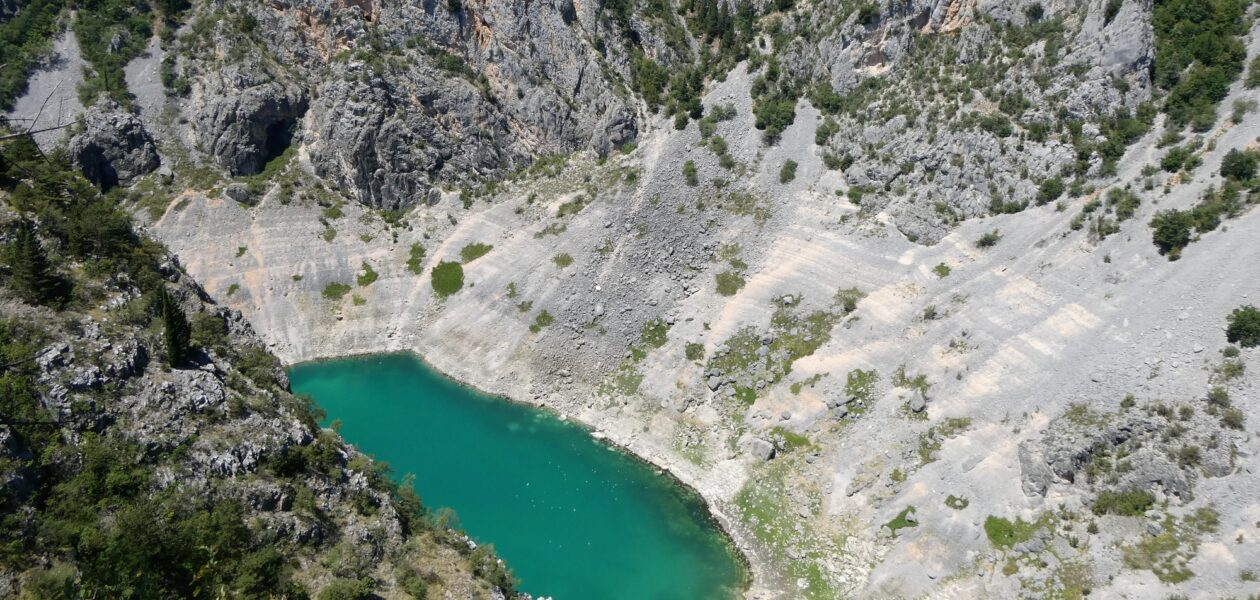 blue lake sinkhole