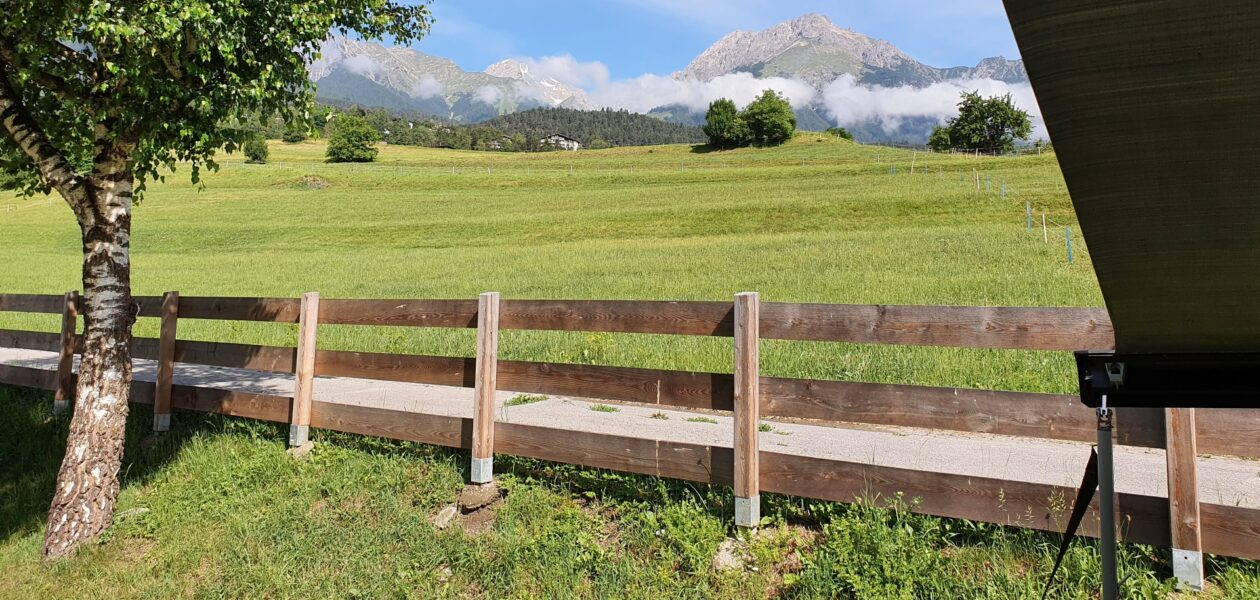 Uitzicht vanaf camping Imst-West Oostenrijk