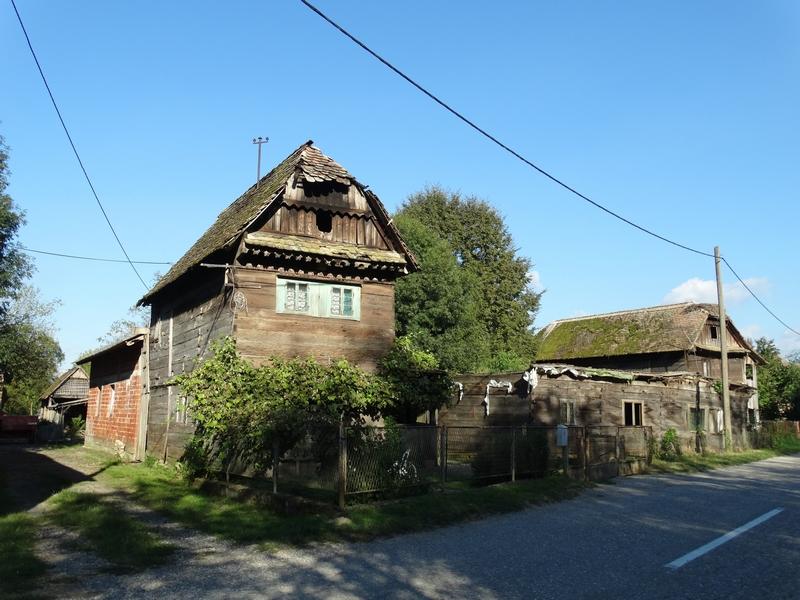 De houten huizen van Čigoč