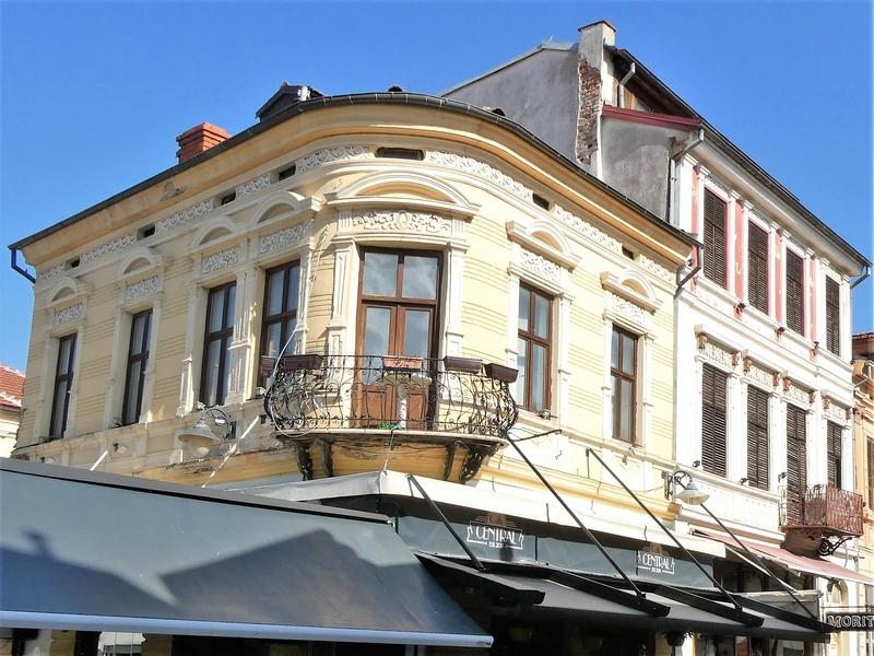 Bijzondere architectuur in het voetgangersgebied van Bitola.